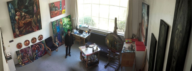 Javier Joven en su taller